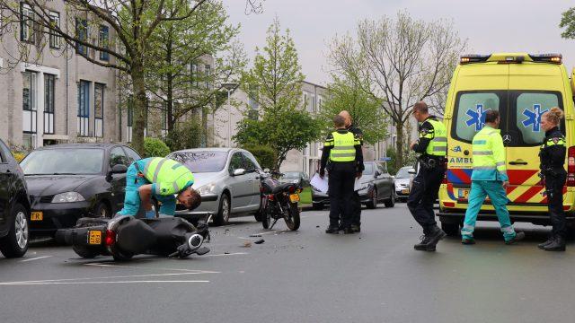 2 Scooterrijders na botsing gewond