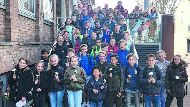 Leerlingen herdenken wereldoorlog