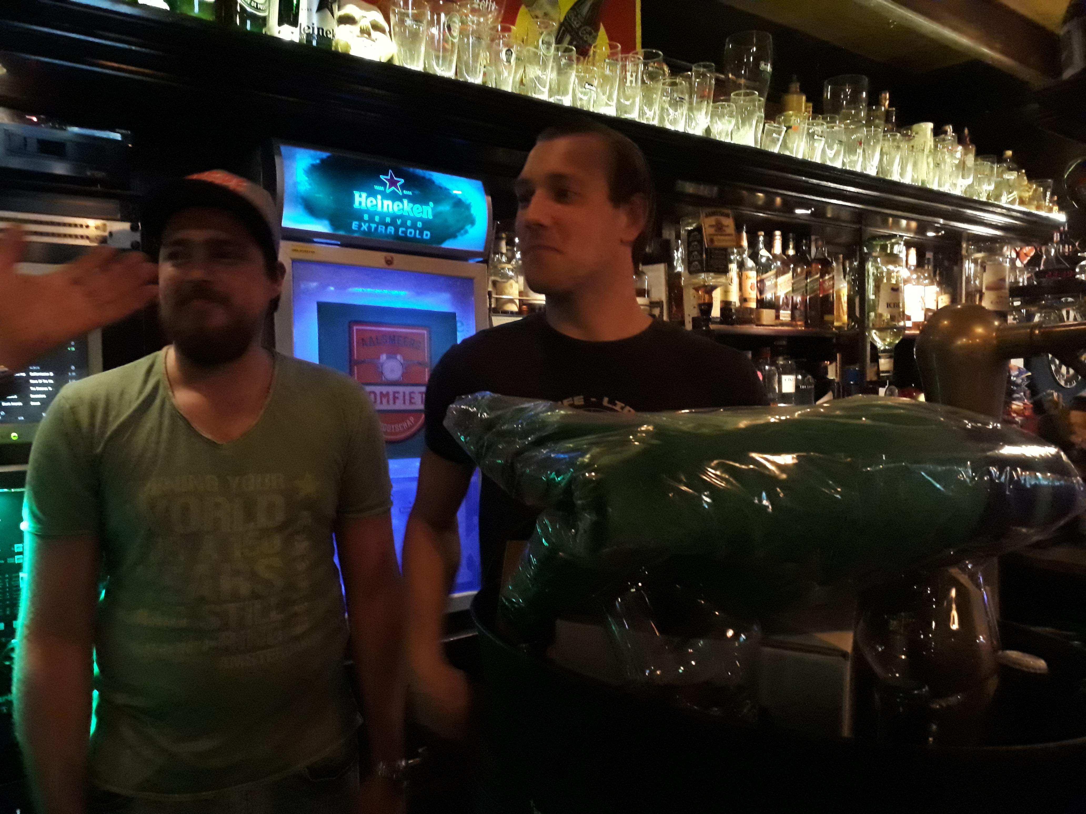 Rick van AH wint biertapwedstrijd