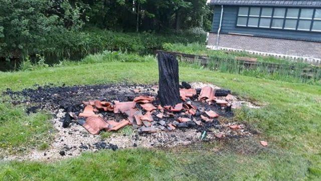 Insectenhotel door brand verwoest