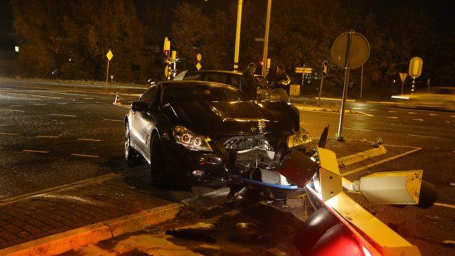 auto na ongeval zwaar beschadigd